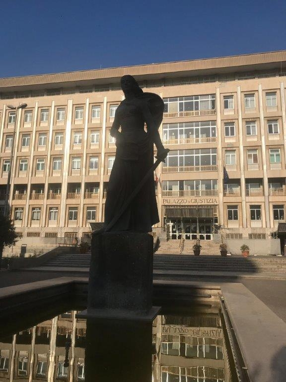 Foto carousel del Tribunale di Bari